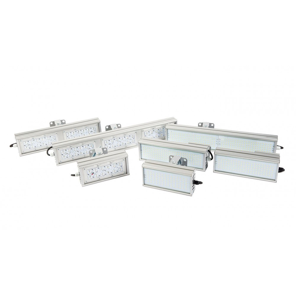 Светодиодный уличный светильник SVT-STR-M-53W-45x140-TRIO (с защитой от 380)